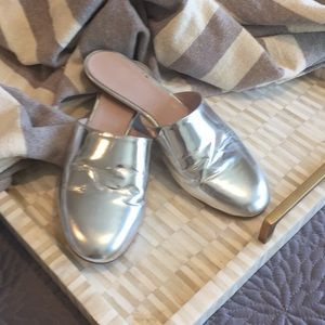 Emerson Fry silver slides size 38(lm)
